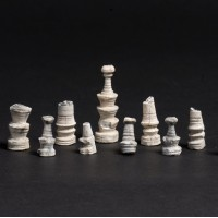 Figurki szachowe z XVI w. Zamek w Inowłodzu, pow. Tomaszów Mazowiecki, woj. łódzkie.